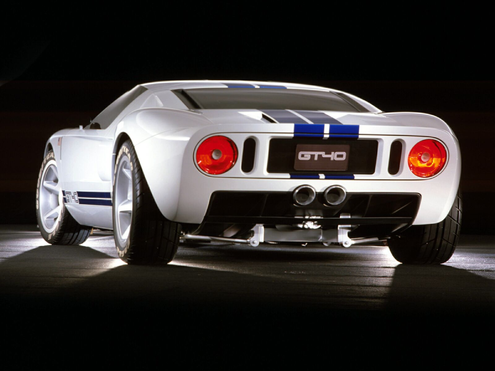 http://www.wallpaperslot.com/data/media/403/Ford%20GT40%2043.jpg