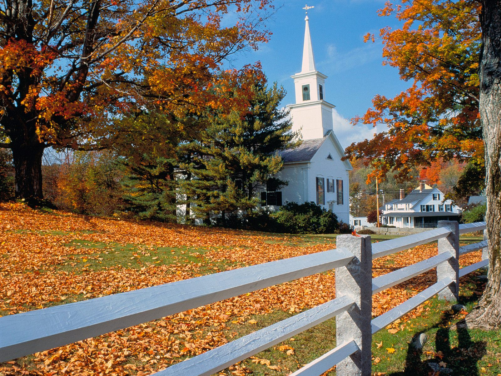 Fall Foliage New England Wallpaper http://www.wallpaperslot.com/wallpaper-church-in-fall-splendor,-new-england-21056.php